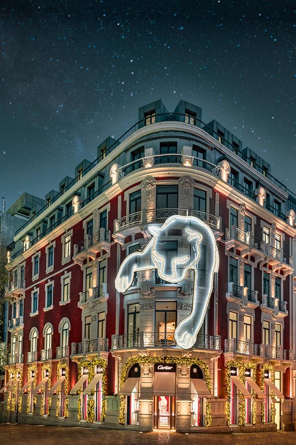 """Imagem da notícia: Cartier """"ilumina"""" Lisboa com uma pantera gigante"""