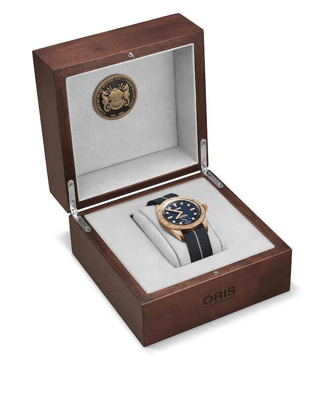 Imagem da notícia: Oris lança relógio Carl Brashear Cal. 401 Limited Edition