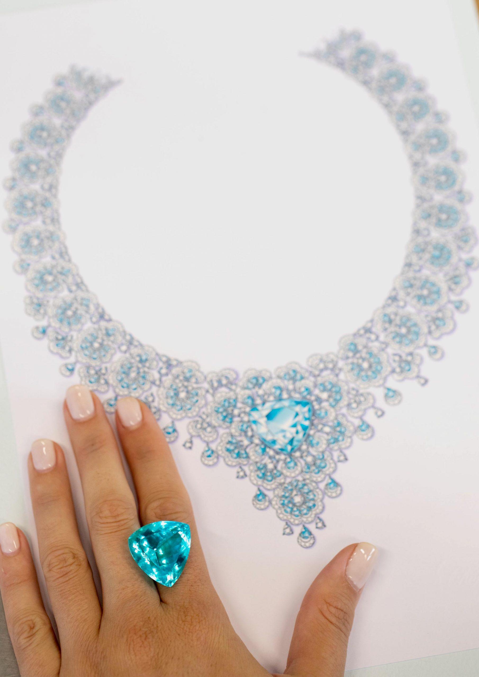 """Imagem da notícia: Chopard apresenta o novo colar """"majestoso"""" com turmalina Paraíba da coleção 'Precious Lace'"""