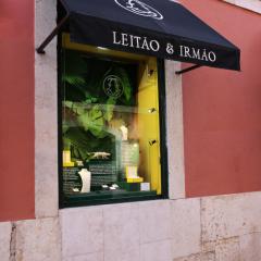 Imagem da notícia: Leitão & Irmão invites you to know more about sustainable luxury shop windows